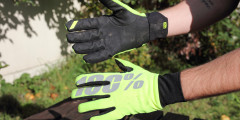 100% hydromatic waterproof glove hero.jpg