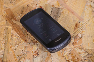 2020-garmin-edge-1030-plus-unit.jpg
