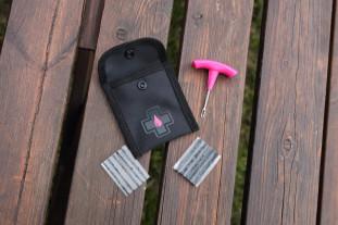 2020 muc off puncture plug repair kit hero.jpg