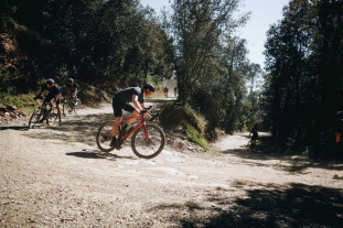 2020-specialized-diverge-launch-action-17.jpg