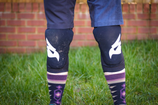 Bluegrass Eagle Skinny Knee Pads-1.jpg