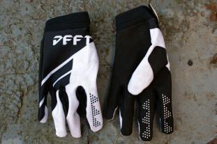 Deft-catalyst-divide-glove-review-1.jpg