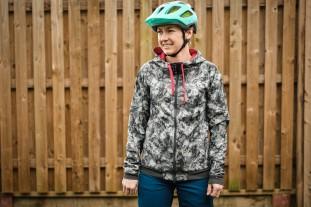 Gore C5 womens Windproof Camo hooded jacket-2.jpg