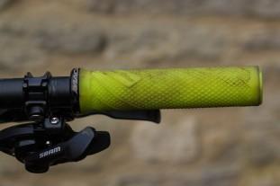 Lizard Skins Danny MacAskill Lock-on Grips-5.jpg