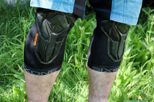 661 recon knee front