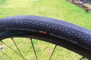 hutchinson overide tyre.jpg