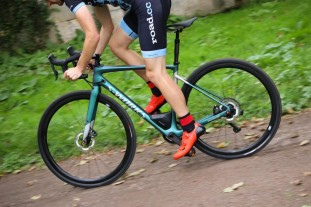 specialized-s-works-diverge-riding-2.jpg
