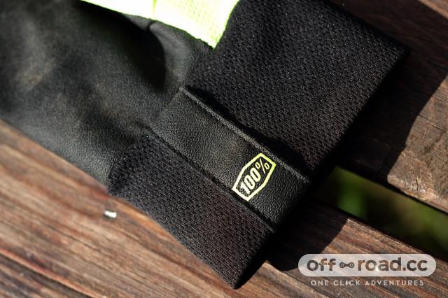 100% hydromatic waterproof glove cuff pull.jpg