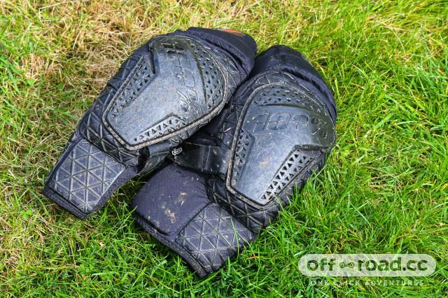 100-Surpass-knee-guards-review-100.jpg