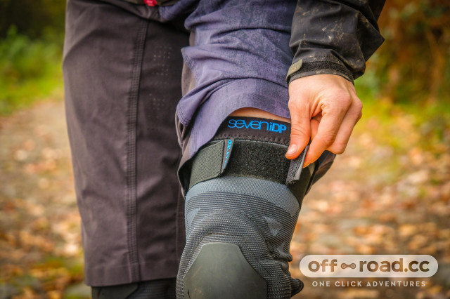 2020 7iDP Project Knee pads-8.jpg