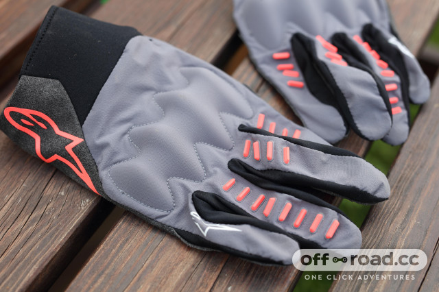 2020 Alpinestars techstar gloves side.jpg