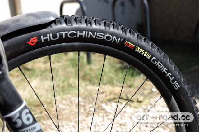 """2020 Hutchinson Griffus 29 x 2.5"""" HS RL sidewall.jpg"""