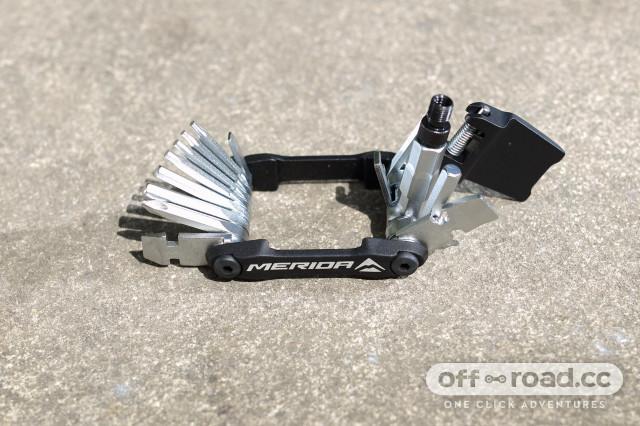 2020 Merida 24 in 1 tool  open.jpg