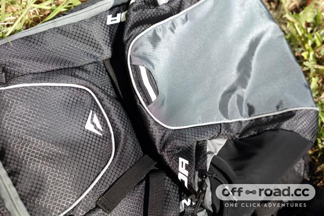2020 Merida FIFTEEN II backpack  bottom.jpg