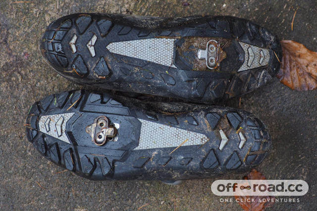 2020 Shimano ME 5 Trail shoe review soles.JPG