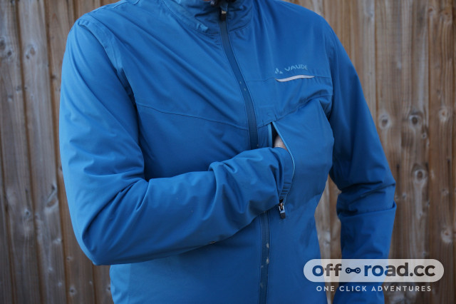 2020 Vaude Strone Jkt chest pocket.jpeg