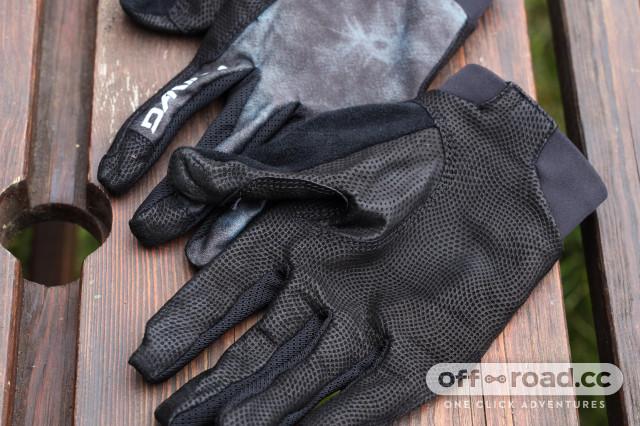2020 dakine thrillium glove palm.jpg