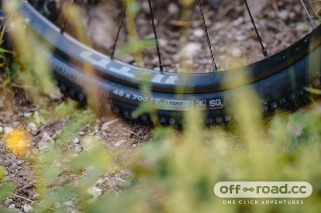 2020 wtb sg2 tyre grass.jpg