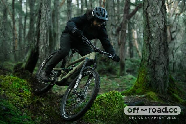 2021 YT Jeffsy Core 3 riding.jpg