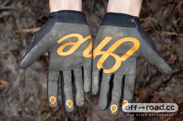 661-comp-gloves-review-3.jpg
