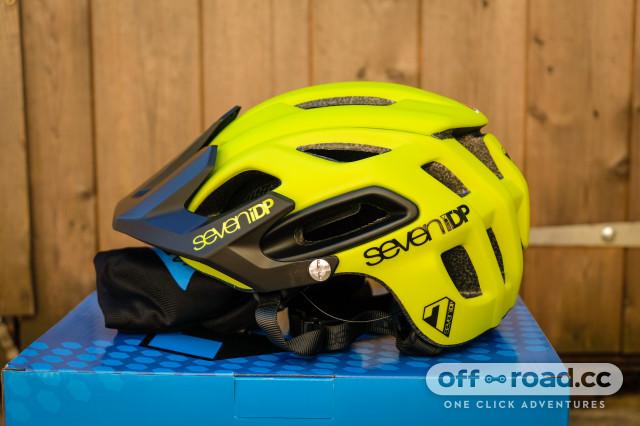 7iDP M2 helmet-1.jpg