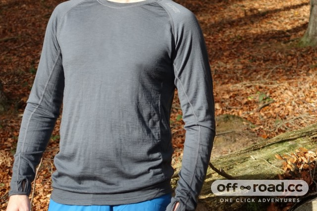 Alp-Kit-Kepler-Long-Sleeve-Merino-Baselayer-DSC03567_0.jpg