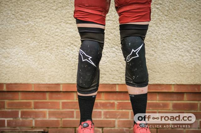 Alpinestars Paragon plus knee pads-8.jpg