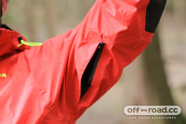 Altura Mayhem 2 Waterproof Jacket-9.jpg