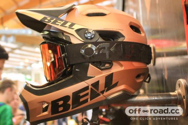 Bell helmet-1.jpg