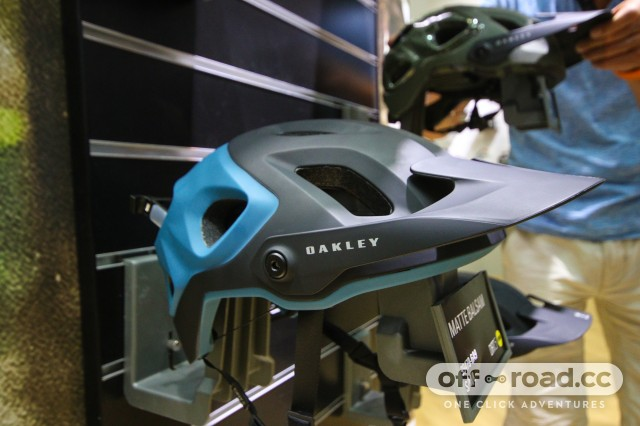 Best Helmets at Eurobike 2018-6 Oakley.jpg