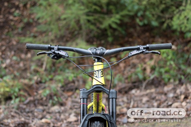 Bird Cycleworks Zero AM Boost hardtail Detail bars-3.jpg