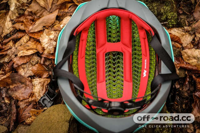 Bontrager Blaze Wave Cell Helmet-14.jpg