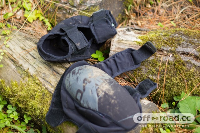 Buyers Guide Knee Pads-6.jpg