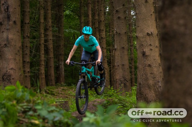 Calibre Ladies Bossnut V2 Riding 5.jpg