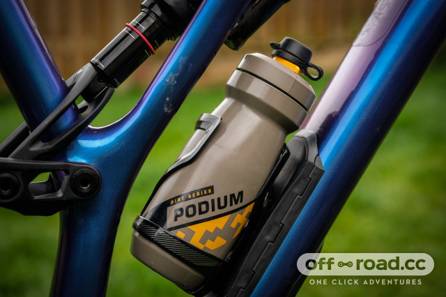 Camelbak Podium Dirt Series water Bottle Review-6.jpg