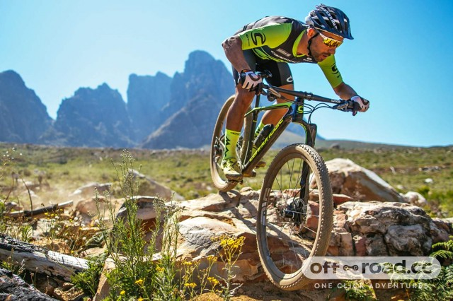 Cannondale-F-Si-Lefty-Ocho-Carbon_carbon-xc-race-hardtail-mountain-bike_single-sided-single-crown-100mm-fork-strut_Cannondale-Factory-Racing-World-Cup-Stellenbosch-testing-front-mtn.jpg