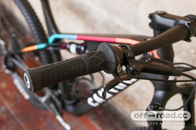 Canyon-Lux-CF-SL-6-Pro-Race-first-look-review-103.jpg