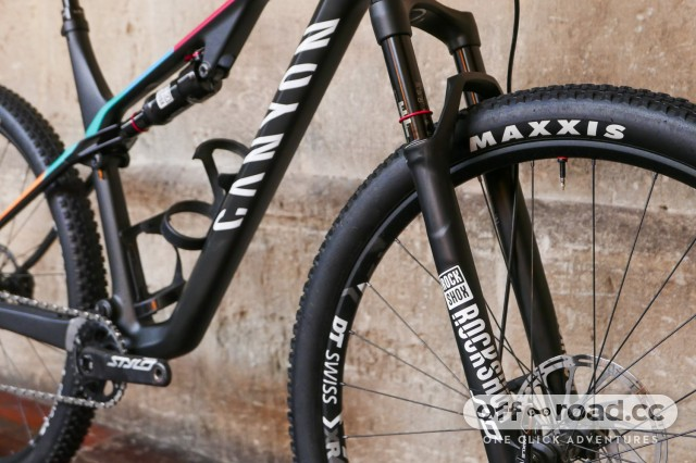 Canyon-Lux-CF-SL-6-Pro-Race-first-look-review-108.jpg