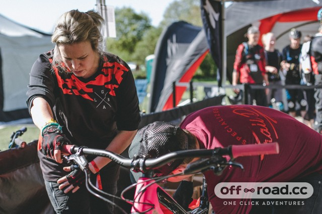 Specialized Trail Days get help getting set up