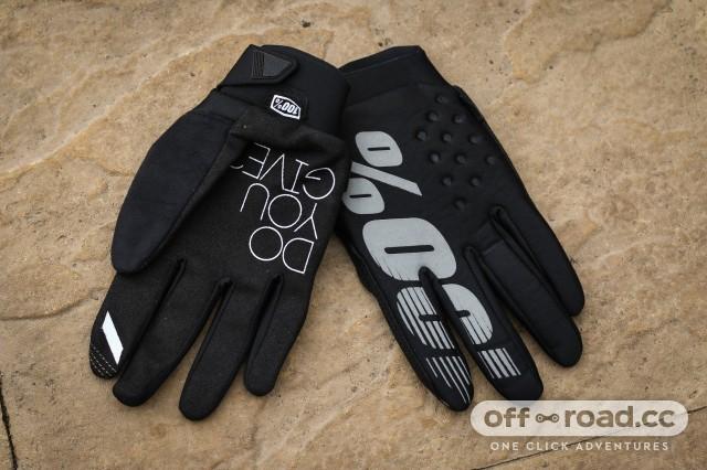 Cool things 100% Brisker gloves