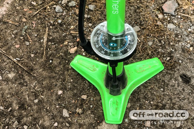 Crankbrothers Gem Floor Pump-2.jpg