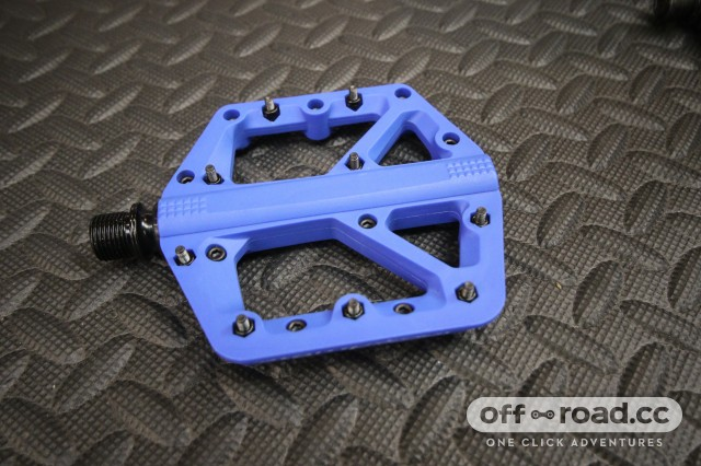 Crankbrothers Stamp 1 flat pedals.jpg