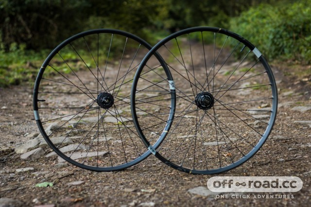 Crankbrothers Synthesis E11 Carbon Wheelset-1.jpg