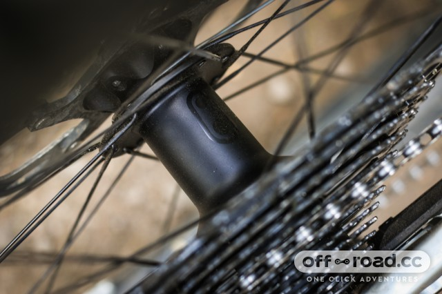 Crankbrothers Synthesis E11 Carbon Wheelset-18.jpg