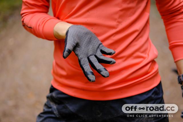 Cube Performance gloves-1.jpg