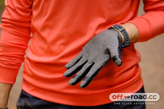 Cube Performance gloves-4.jpg