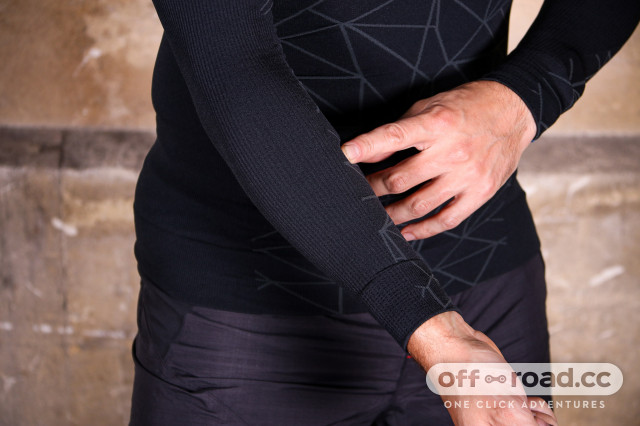 Cube-Baselayer-Be-Warm-LS-review-102.jpg