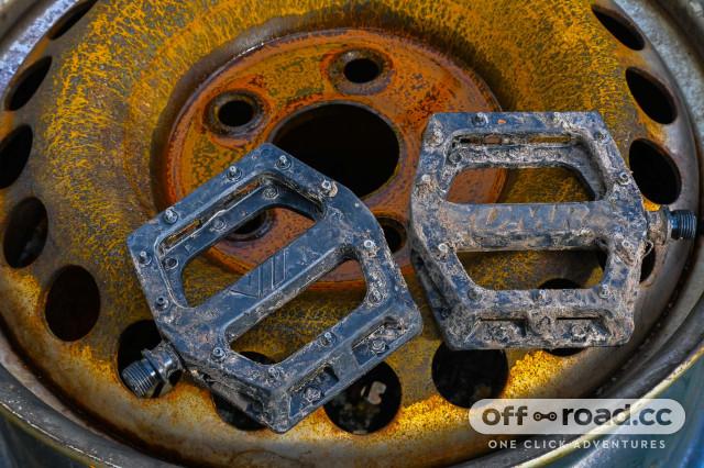 DMR-V11-flat pedal-review-100-2.jpg