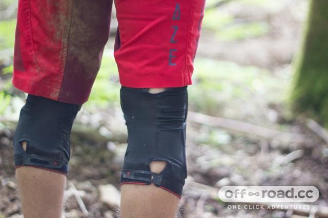 Dainese-Trail-Skins-2-kneepads-101.jpg