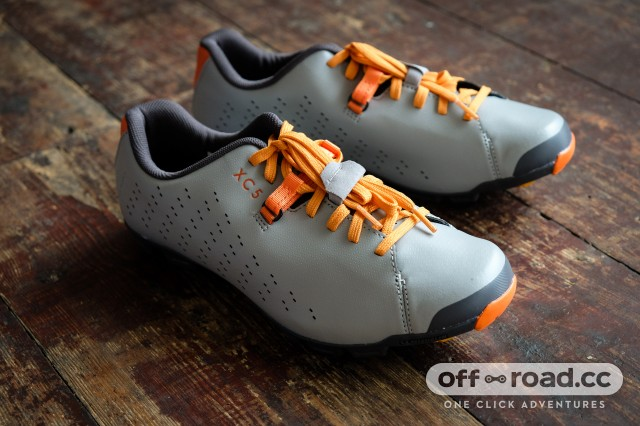 cool things shimano XC5 shoes-5.jpg